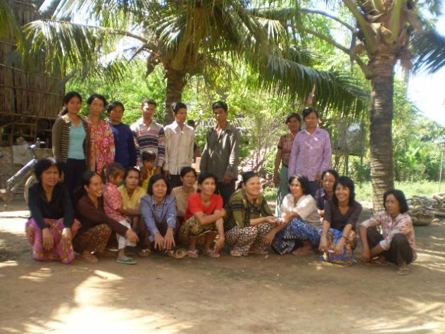 Mrs. Mom Moa Village Bank Group