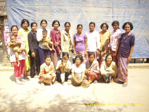 Mrs. Chroeun Seng Village Bank Group
